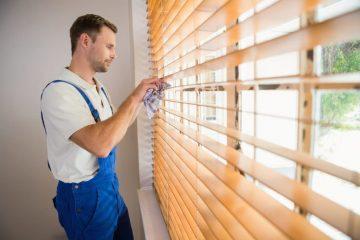 ניקוי תריסים וחלונות